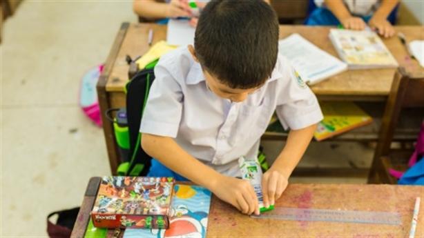 Sữa học đường đồng hành cùng trẻ em miền núi Quảng Ngãi