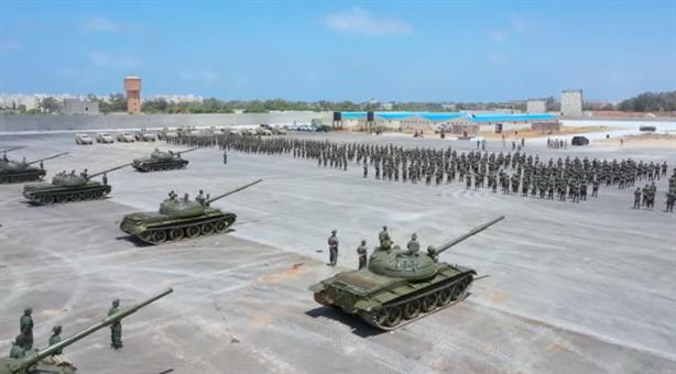 LNA bất ngờ công khai lô xe tăng T-62M hoàn toàn mới