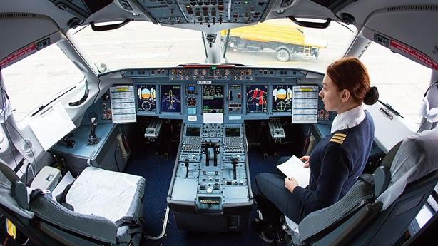 Nga tự trang bị siêu định vị cho máy bay SSJ100