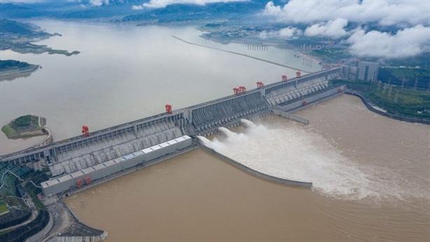 Tình hình lũ lụt, Tam Hiệp: Khó chồng khó, giá leo thang
