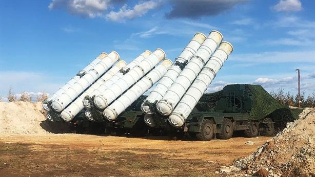 Trung Quốc lo ngại Nga bàn giao S-400 cho Ấn Độ