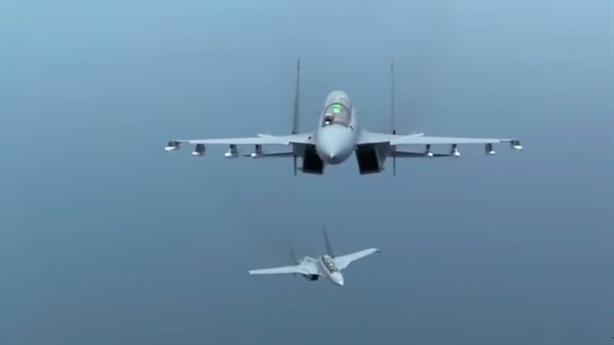 Phi công Mỹ: F-18D Hornet thắng Su-30MKM do gặp may mắn