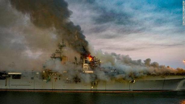 Đô đốc Mỹ nói về hậu quả tàu USS Bonhomme Richard cháy