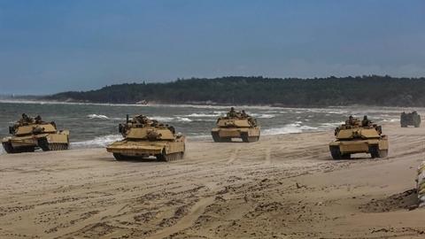 Tăng M1A2 Abrams Mỹ bắn nhầm nhau, thương vong nghiêm trọng