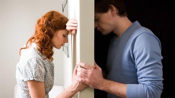 Vợ nghi ngờ ngoại tình vì tôi không muốn gần gũi