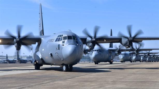 Phi cơ vận tải đa năng C-130