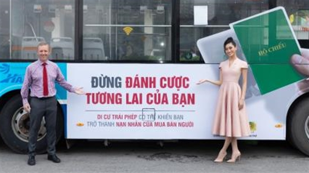 Hoa hậu Lương Thùy Linh tuyên truyền chống mua bán người