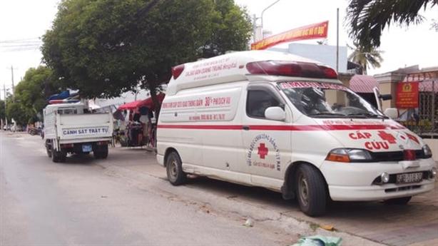 Nghiên cứu tịch thu xe giả cứu thương đi đòi nợ