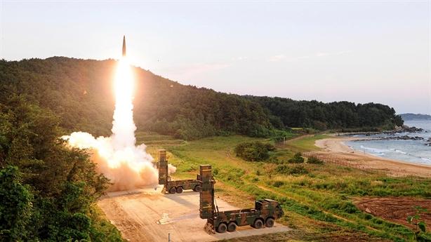Đòn chính xác của Hyunmoo-4 Hàn Quốc ở khoảng cách gần 800km
