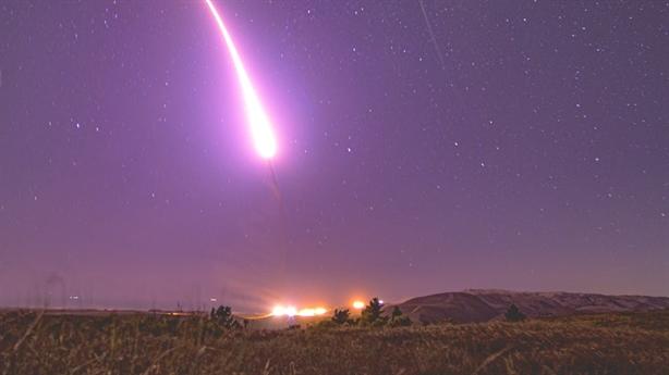 Mỹ phóng tên lửa mạnh nhất sau tuyên bố của Nga
