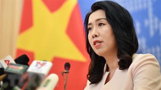 Phản đối Trung Quốc điều tàu chiến, máy bay tới Trường Sa