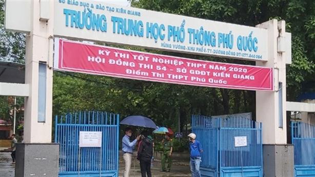 PCT xã đi thi tốt nghiệp THPT: 'Không phải bổ nhiệm sai'