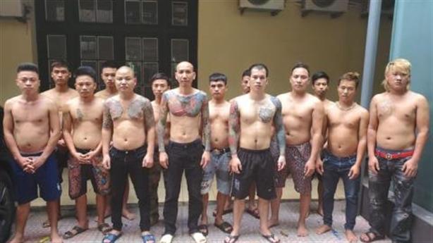 Bắt vợ chồng Phú Lê: Đàn em vẫn mạnh miệng bảo vệ