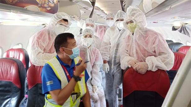 Vietjet đưa khách mắc kẹt tại Đà Nẵng về HN, TP.HCM