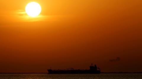 Thấy gì khi Mỹ mua dầu Nga liên tục lập kỷ lục?