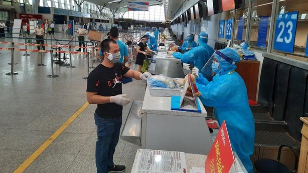 Vietjet đưa hơn 800 khách rời Đà Nẵng về Hà Nội