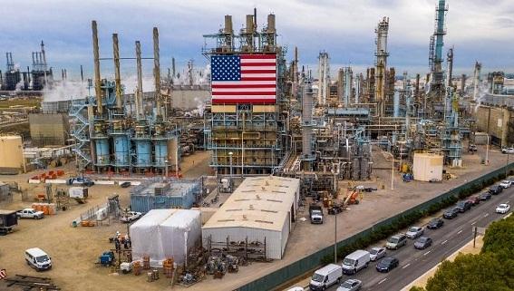 Mỹ mua dầu Nga kỷ lục: Không thể đặng đừng