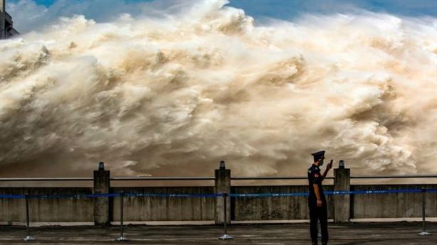 Tam Hiệp gánh lũ thứ 4, Trung Quốc mưa đến tháng 9
