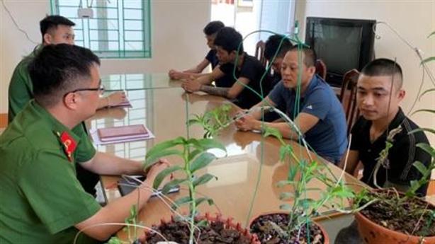Sốt Phi điệp đột biến: Lộ chiêu lừa một nhóm bán lan