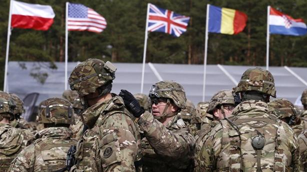 NATO được gì khi đối đầu với Nga?