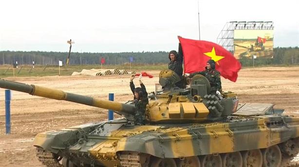 Việt Nam dẫn đầu bảng tại Tank Biathlon 2020