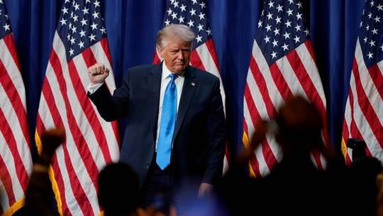 Ông Trump nói đùa muốn làm Tổng thống 12 năm nữa