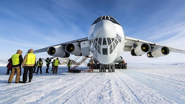 Nỗ lực muộn của Mỹ khi Nga có sân bay băng