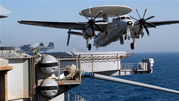 'Mắt diều hâu' trên tàu sân bay Mỹ rơi khi huấn luyện