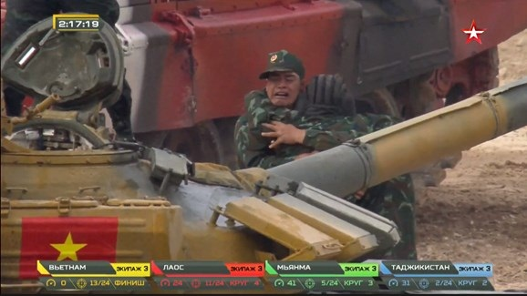 Tuyển Việt Nam vô địch Bảng 2 tại Tank Biathlon 2020