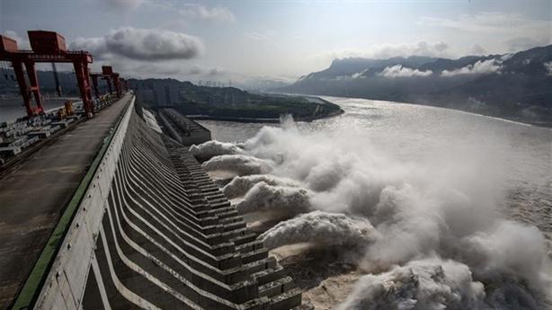 Trung Quốc đếm thiệt hại mưa lũ, tiếp tục gánh bão