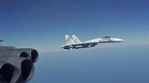 8 tiêm kích Nga chặn 3 máy bay B-52 Mỹ gần Crimea