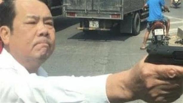 Chuyện chưa biết về giám đốc dọa bắn vỡ sọ tài xế