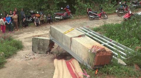Sập cổng trường khiến 3 bé tử vong: Xây... đúng thiết kế