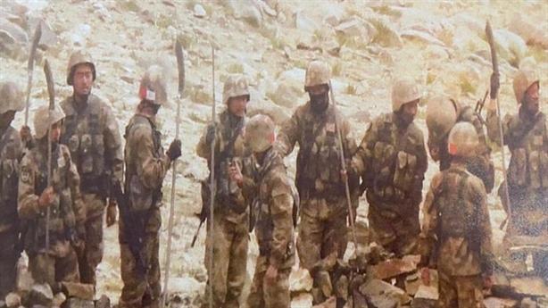 Thông tin clip binh sĩ Trung-Ấn áp sát nhau ở biên giới