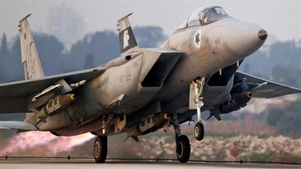 'Máy bay Israel núp bóng Mỹ không kích Syria'