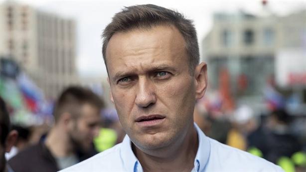 Navalny sẽ về Nga, lời đáp thuyết âm mưu đầu độc?