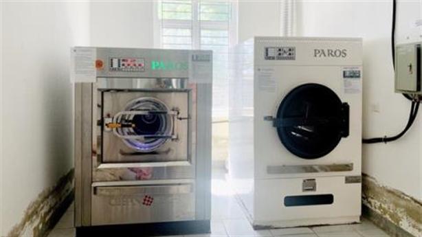 Máy giặt, sấy giá hơn chục tỷ: Lại