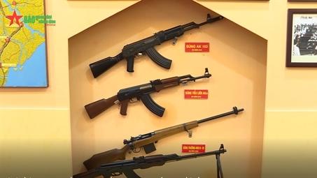 Việt Nam lần đầu giới thiệu súng trường AK-103 tự sản xuất