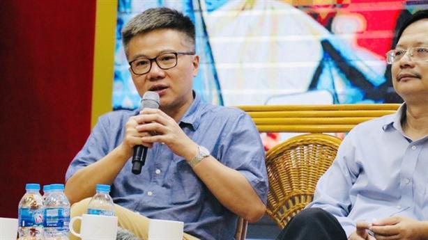 GS Châu từng sốc khi nhận lương: Việt Nam thì sao?