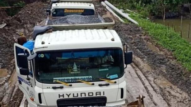 Đào đường cao tốc Trung Lương - Mỹ Thuận để siết nợ?