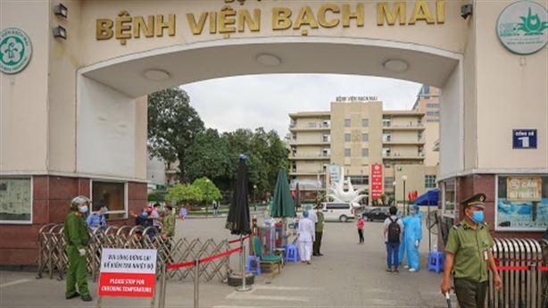 Thứ trưởng Y tế lên tiếng vụ giá thiết bị Bạch Mai