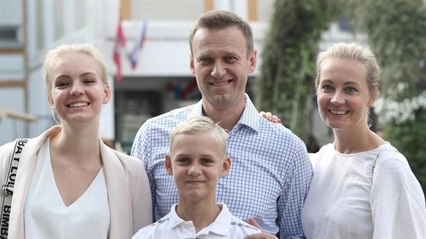 Đức từ chối Mosow tiếp cận lãnh sự với Navalny, vì sao?