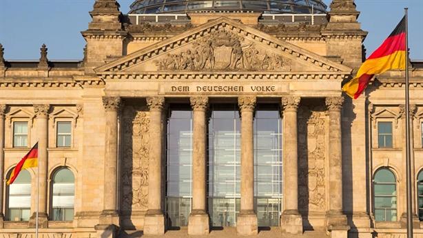 Đức cải thiện với Nga, tôn trọng lịch sử Thế chiến 2