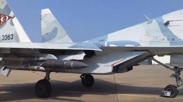 Tên lửa Kh-31A trên Su-30MK2 khiến tàu Mỹ...đổi hướng