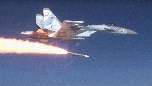 Su-35S của Nga lần đầu tiên phóng tên lửa R-37M