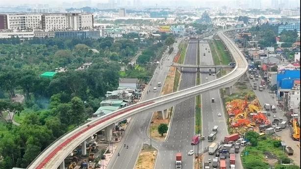 Vì sao các dự án metro đều đội vốn, chậm tiến độ?