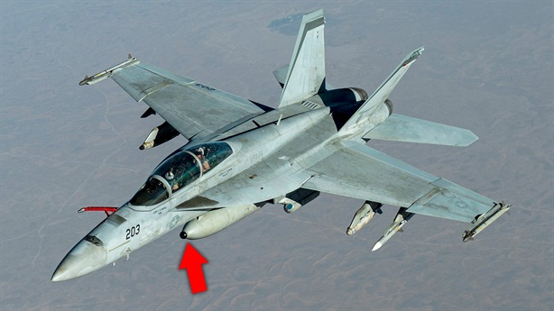 F/A-18 Mỹ mang siêu cảm biến đến Trung Đông bắt tàng hình