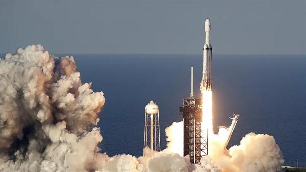 SpaceX nhận thêm trái ngọt từ Lầu Năm Góc