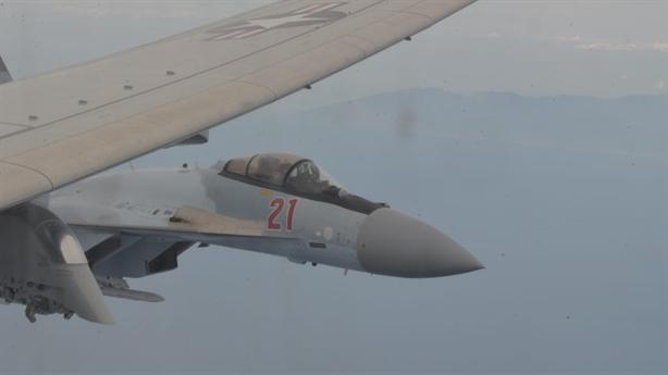 Phi công Mỹ: Không thể đoán được đường bay của Nga