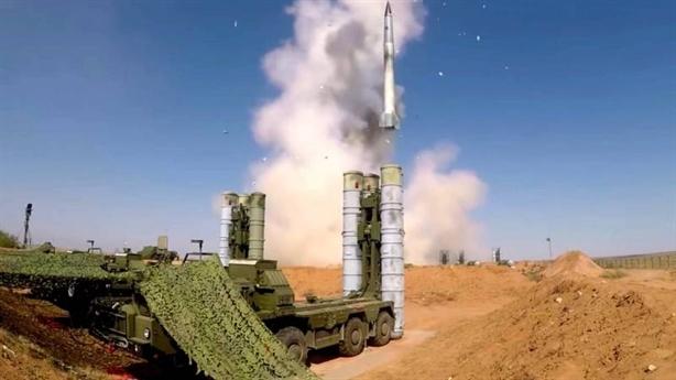 S-300PM đánh chặn sát đất và xa như S-400